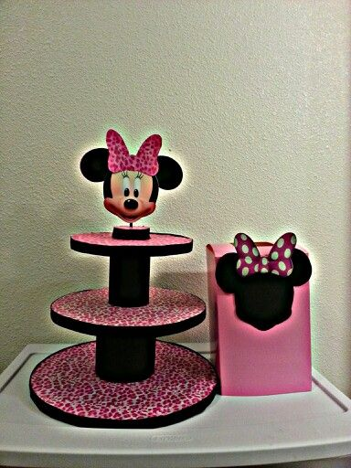 Minnie Mouse Cupcake Stand Diy Projects Cute Cupcakes
