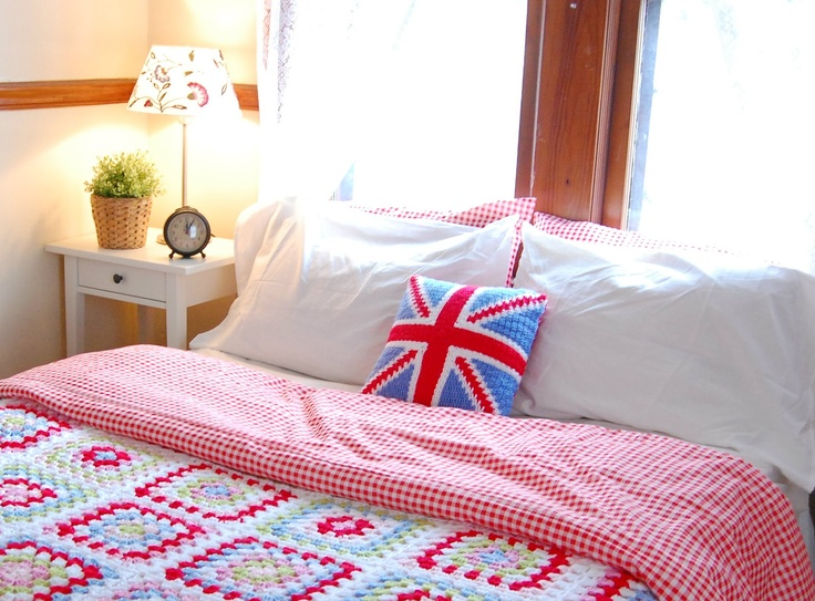 INSPIRATION: awesome crochet bedroom decor by hopscotch lane...may have already pinned this!  It's perfect!