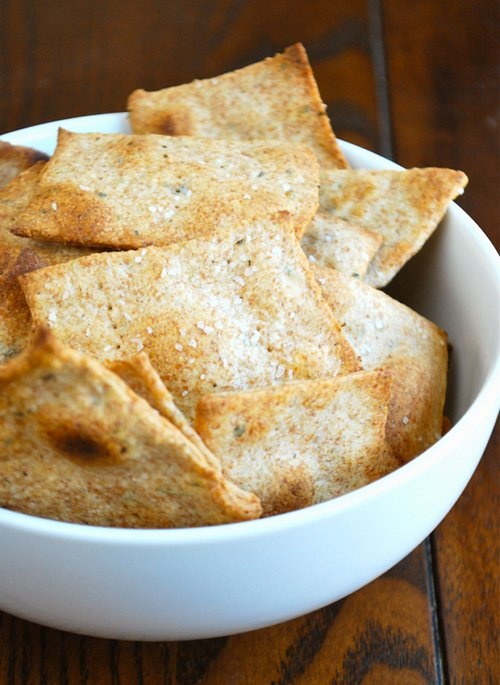 Olive Oil and Herb Crackers -- handmade crackers perfect for gifting with some gourmet cheeses! ;)