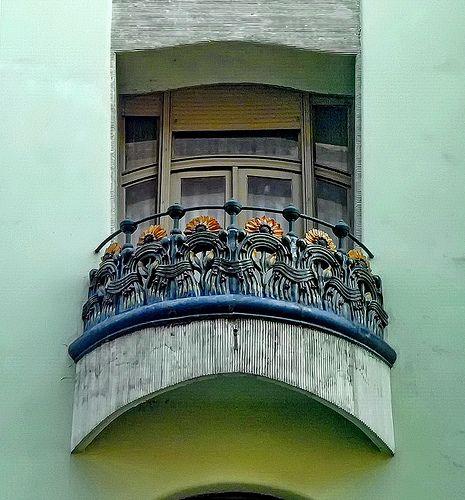 Budapest Art Nouveau. Bedő House, built in 1903. Architect Emil Vidor. Ceramics: Zsolnay pyrogranite.