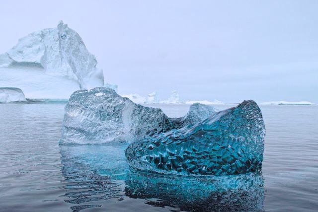 10,000 deflated glaciers (no air in between particles) - science - nature