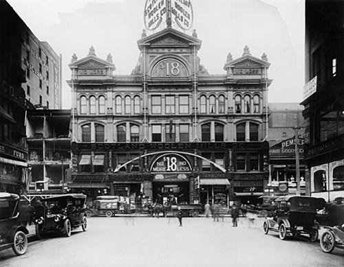 Toronto's first mall - The Yonge Street Arcade, 1915