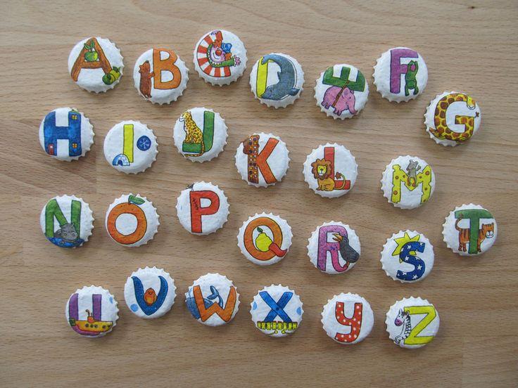 Schultüten - Upcycling: Magnete aus Kronkorken: Buchstaben NAME - ein Designerstück von muggels-welt bei DaWanda