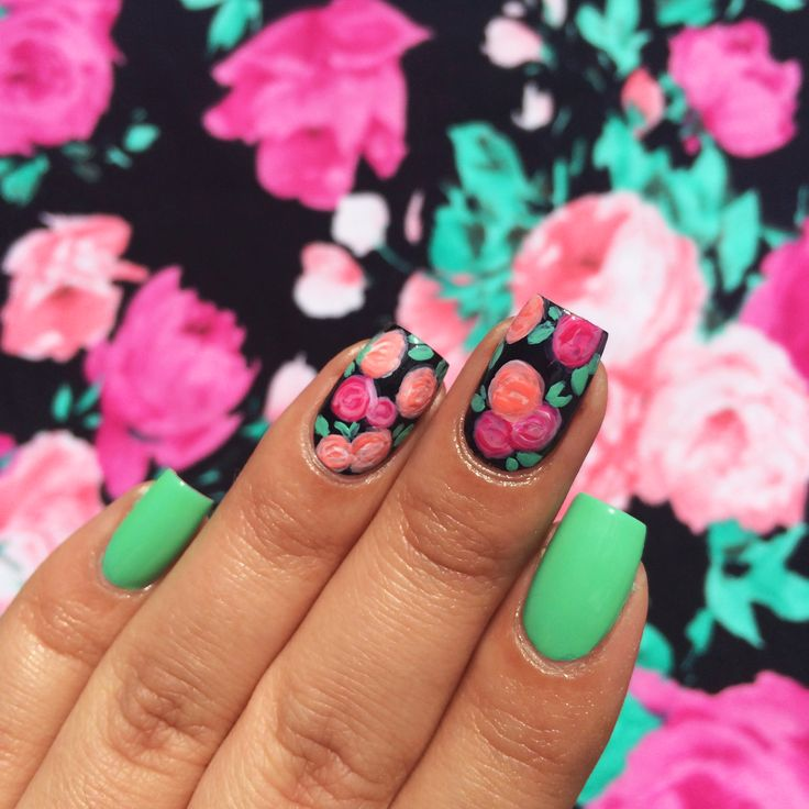 Wouldn't it be awesome if your nails matched your dress? We totes love BFF @Mireya Critel Critel Serna's #nailart inspired by this CR floral dress! Happy #ManiMonday!