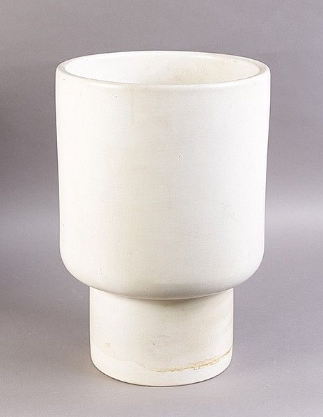 Mid 20th Century pair Matte White Glaze Garden planters of stepped cylindrical form, Gainey ceramics Lavern California