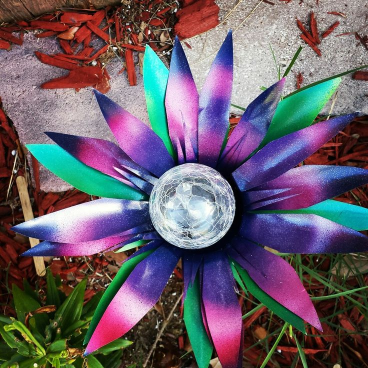 Pretty in Pink and purple! Flower solar light garden stake.. garden  decor! Buy it now on etsy @  Gardendreamsdecor.com
