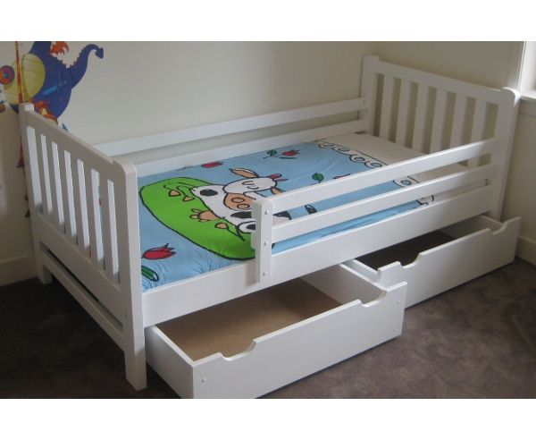 http://myshop.s3-external-3.amazonaws.com/shop2329900.pictures.Peuterbed%20Tim%20wit.jpg