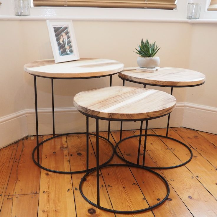 This Nest Of Three Round Coffee Tables Make Stylish Yet Excellent Space  Savers For The Home. Made From Natural Wood With Metal Legs.