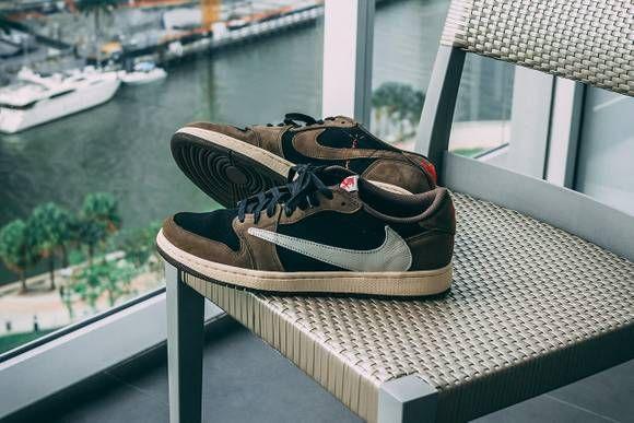 On Feet With Travis Scott S Air Jordan 1 Low Sneaker Look Moda