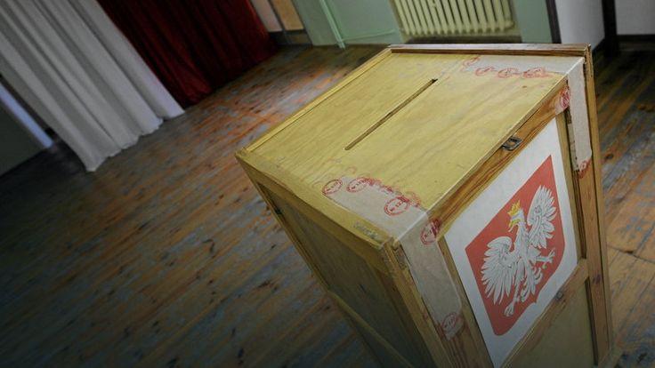 Podlaskie: wojewoda unieważnił uchwałę radnych Sejn o lokalnym referendum http://wiadomosci.onet.pl/bialystok/podlaskie-wojewoda-uniewaznil-uchwale-radnych-sejn-o-lokalnym-referendum/lmfcn