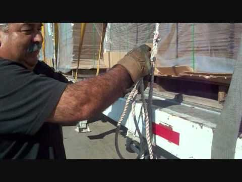 How to tie a truckers knot