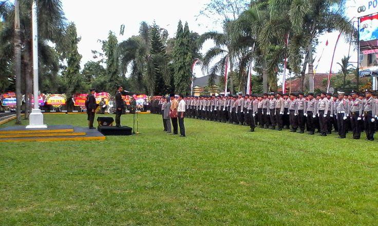 """The Royal Indonesia TV Online: HUT Bhayangkara ke 68, Presiden SBY Berpamitan Pad...SBY : """"  Polri kian baik dalam menjaga keamanan, mengayomi masyarakat, dan menegakkan hukum. HUT Bhayangkara ke-68 dapat dijadikan momentum bagi Polri memantapkan jajarannya sesuai tugas yang diembannya. """""""
