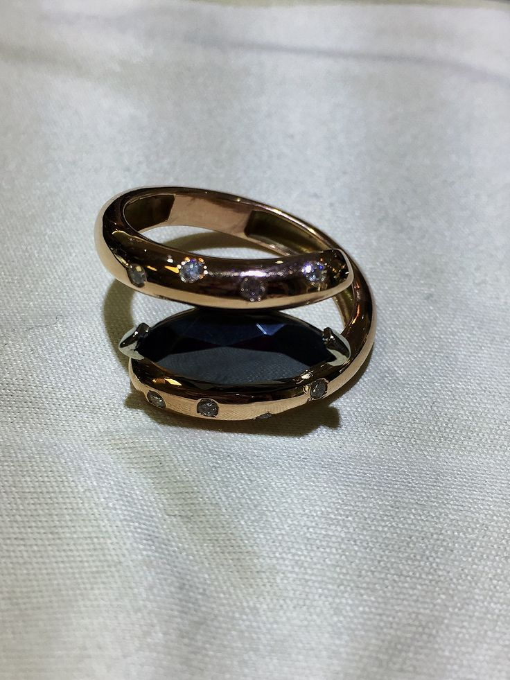 Have a case of the #MondayBlues? Here's a custom design with an unusual stone named #Hematite! It was popular during the #VictorianEra.  Give it a like if you think it's a jewel worthy of royalty! 👑👑 #centretown #ottawajewelry #ottcity #613 #customdesign #BobThompsonJewellers #rosegold #diamonds #royality #kingsandqueens