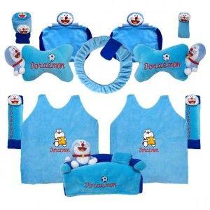 Grosir Bantal Mobil Murah di surabaya dengan motif Bantal Mobil Boneka Doraemon. Tersedia berbagai macam bantal mobil dengan design unik dengan warna menarik aplikasi bordir halus dan nyaman di pakai.