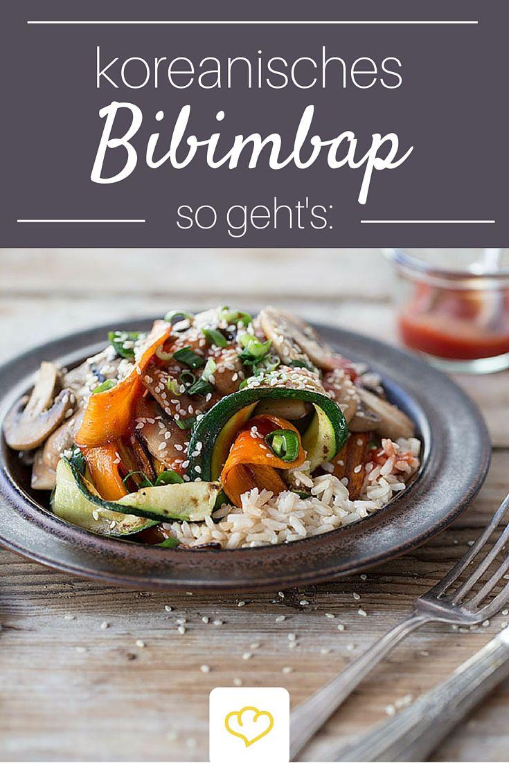 Das koreanische Reisgericht Bibimbap ist nicht nur unglaublich lecker sondern auch gesund. Scharfe Sriracha-Chilisauce sorgt für exotische Würze.