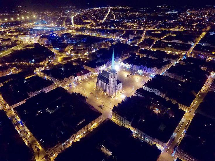 centrum in night