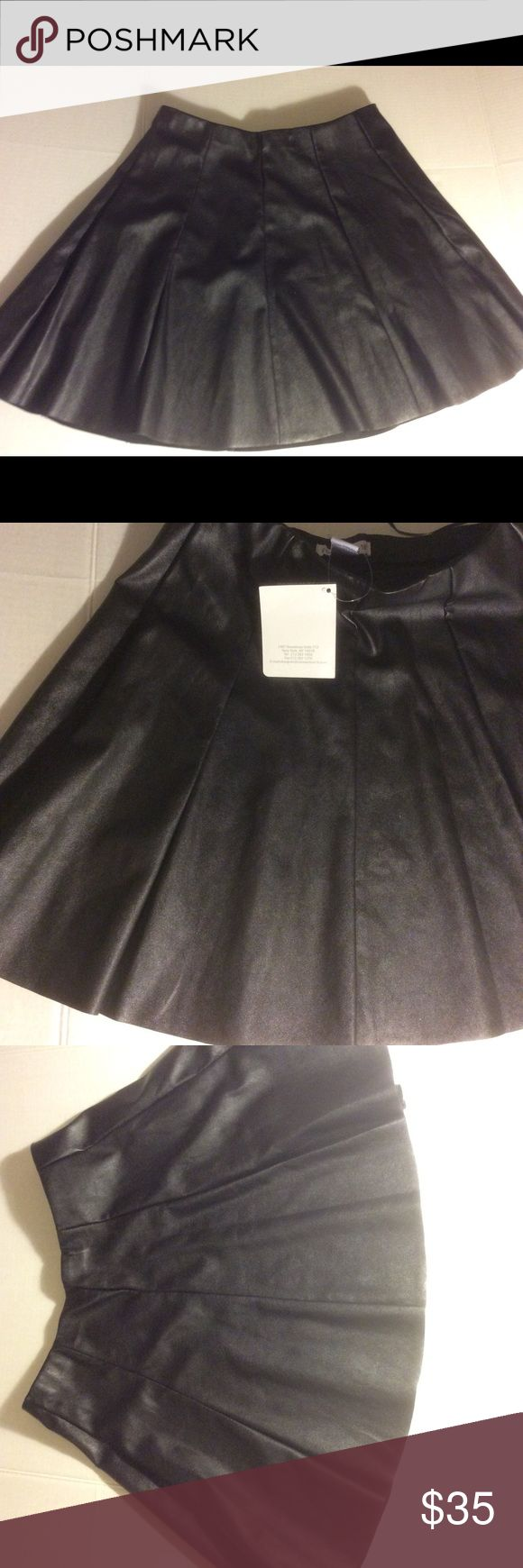 """NWT Connection 18 Faux leather Skater Skirt Size S Dear Poshers, this listing is for a super cute Faux leather skirt. About 12 1/2"""" across and length about 16 1/4"""". 95% Polyester and 5% spandex. The brand is Connection 18. Great for upcoming holidays. Elastic band. connection 18 Skirts Circle & Skater"""