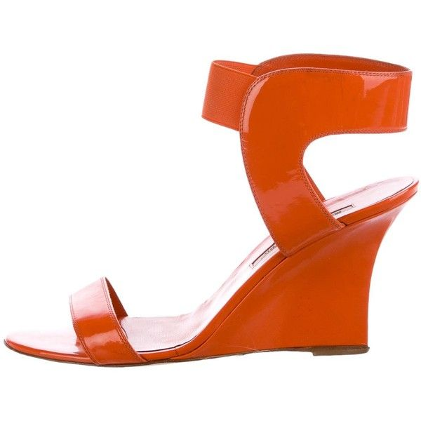 Pre-owned Manolo Blahnik Patent Ankle-Strap Wedges ($75) ❤ liked on Polyvore featuring shoes, sandals, orange, ankle tie wedge sandals, manolo blahnik sandals, patent leather wedge sandals, orange wedge shoes and patent leather shoes