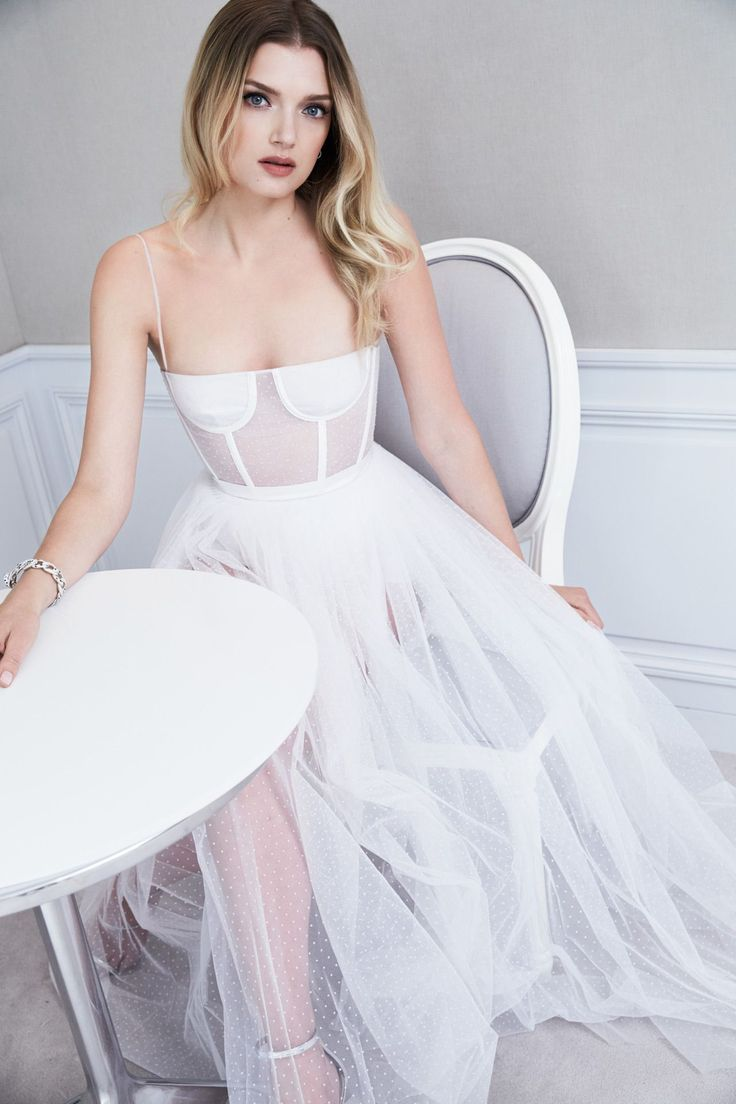 Lily Donaldson On Dior, Make-Up And Her Girl Gang's Red-Carpet Savviness