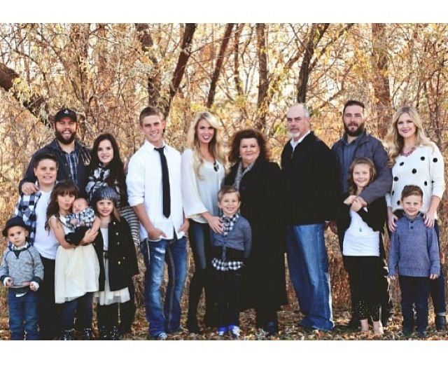 The whole gang! Such an inspirational family. #shaytards
