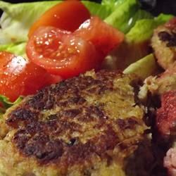 Fish Friday Tuna Burgers | You can eat these light tuna burgers any day of the week!