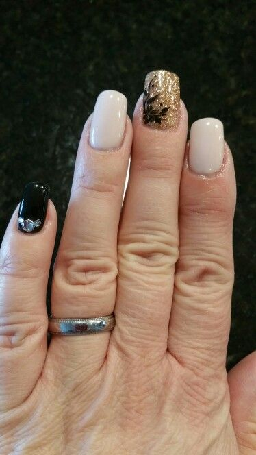 Black, nude and gold (by The Nail Hut)