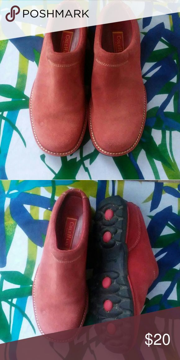 Cole Hann slip on shoes Cole Hann country slip on shoe , in good condition, inside clean, great coral color. Size 7B. Cole Haan Shoes Mules & Clogs