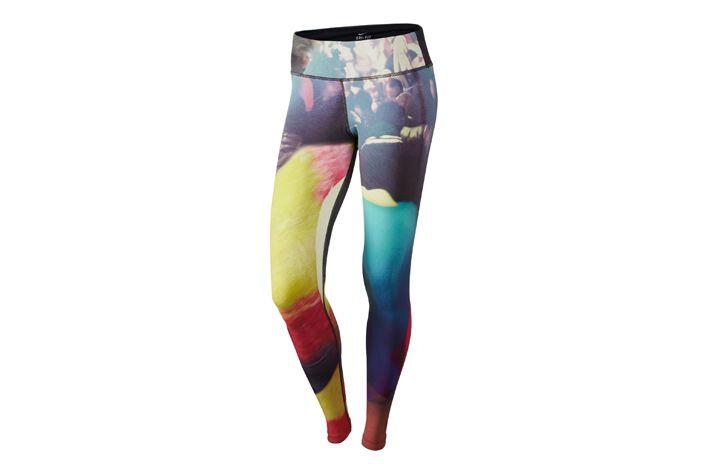 #Nike Foreverun - długie getry fitnessowe, o wyjątkowej i oryginalnej kolorystyce. Wykonane z delikatnej, miękkiej i przyjemnej w dotyku tkaniny, która odpowiednio zarządza nadmiarem wilgoci odprowadzając ją na zewnątrz. Polecane do biegów jak również do ćwiczeń fitness. #getry #dlugie #jesienzima2015 #drifit