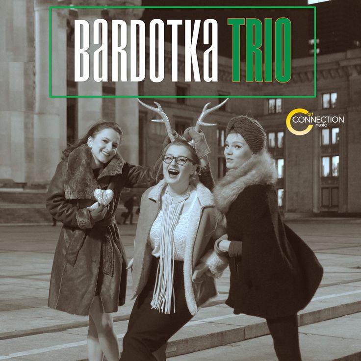 🎁 Pozdrawiamy Was ciepło i serdecznie w imieniu Bardotka Trio oraz wszyskich naszych Artystów! Przypomnimy, że w naszym sklepie na www.artMUSICshop.pl znajdziecie wspaniałe muzyczne prezenty 😉🌲 📀📀 #artMUSICshoppl #artCONNECTIONmusic #prezenty #muzyczneprezenty #sklep #sklepzmuzyką #BardotkaTrio #święta