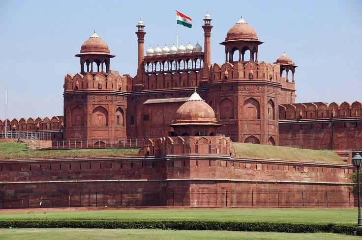 """The majestic Red Fort """"Lal Quila"""" is the pride of Delhi. It has witnessed many major events in the city in the Mughal and British Era."""