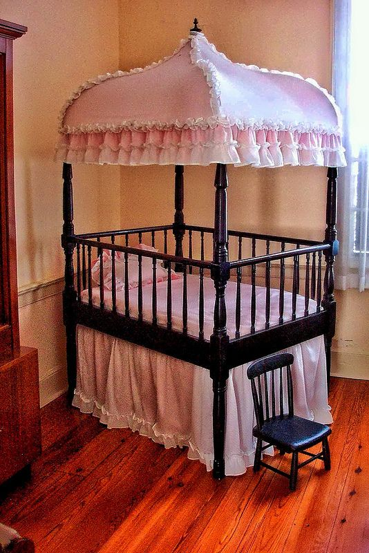 First White House of the Confederacy ~ Montgomery ~ Alabama ~ Childs Crib