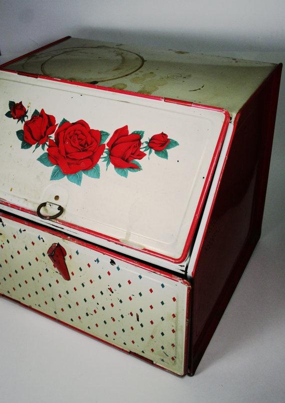 Vintage Tin Bread / Pie Box  Red Rose Design  by TurtleHillShop, $26.00