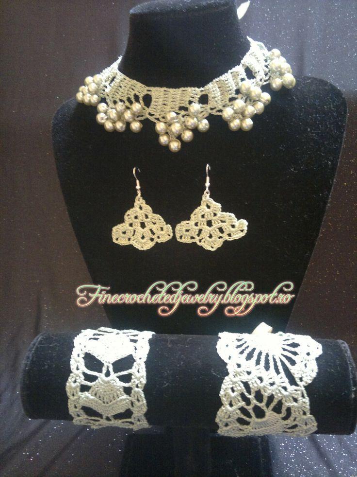 Crochet green jewelry set www.finecrochetedjewelry.blogspot.ro