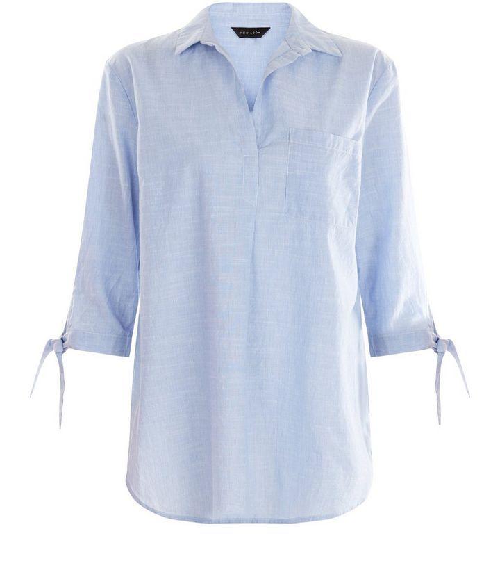 Blaues Hemd zum Überziehen mit gebundenen Ärmeln   New Look