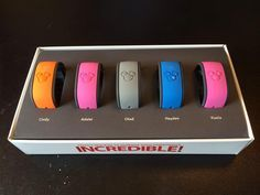 Top 10 Questions and Answers about MagicBands 10) What does the MagicBand do? The MagicBand serves as an admission ticket, Disney resort room key, FastPass+ ticket, PhotoPass or Memory Maker account link, and a form of payment for Disney resort guests. You can link a MagicBand to the MyDisneyExperience account and be able to link…