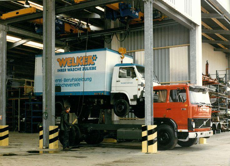 Golden Oldies - Kleyn Services stacking trucks in the 80ies