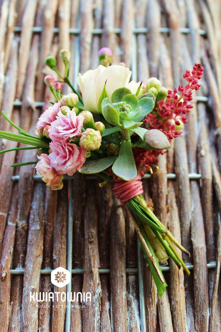 #kwiatownia #buttonhole #buttonholes #weeding #instagram #flowers #kwiaty #decor #decorations #flowersofinstagram #art #floral #fasion #handmade #ceremony #love #bride #bridesmaid