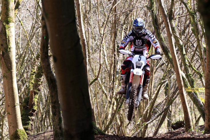 Matti Seistola on a TE250R flying through the forest at the British Sprint Enduro Championship