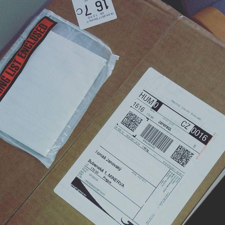 Přišel nám balíček z Ameriky. Co to asi bude?