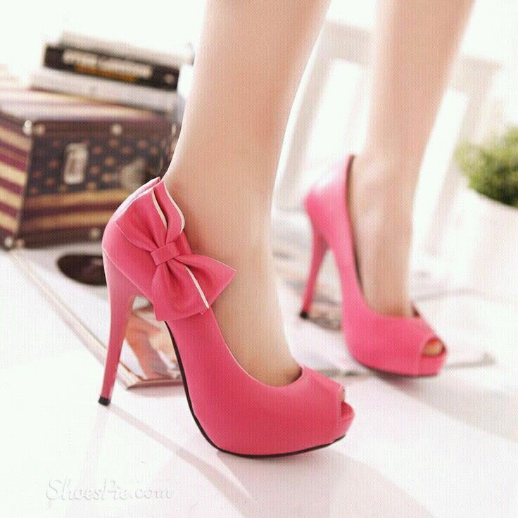 Thr pink high heels with bow!