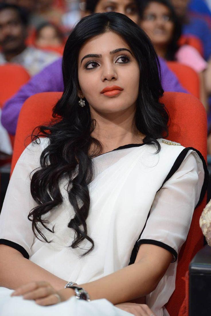 Samantha Ruth Prabhu In White Saree at Seethamma Vakitlo Sirimalle Chettu Movie Disc Function (7) at Samantha Ruth Prabhu SVSC News and Stills #SamanthaRuthPrabhu