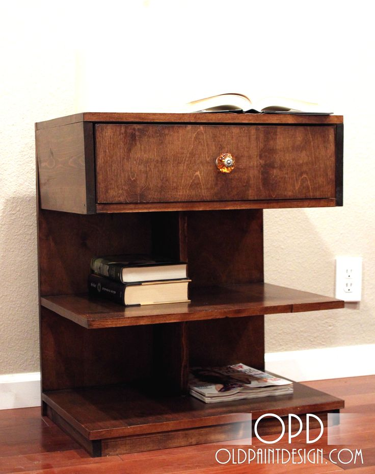 Night Stand : (note: this is a DIY) While this is not generally my 'thang (mid-century modern ) , I LOVE this night stand @Scott Sammons