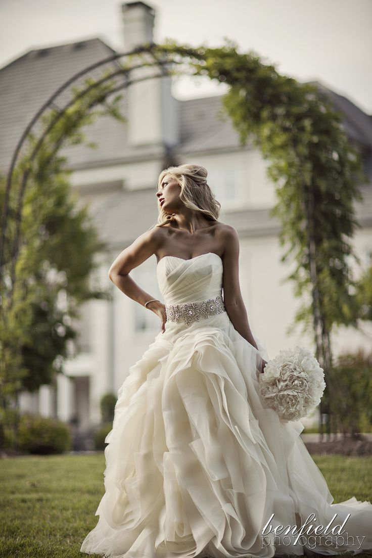 Beautiful! Wedding gown by Vera Wang, photo by Benfield Photography