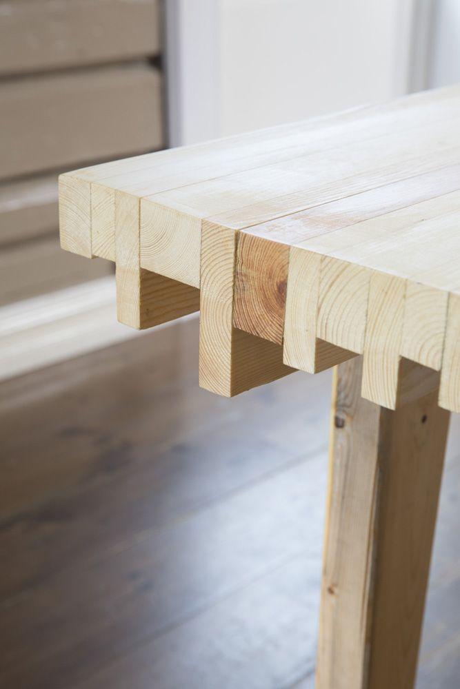 Restebord. Built by Eivind Stoud Platou Photo: Colin Eick From the book «Bygg selv – håndbok i hjemmesnekring av møbler», Kagge forlag (2016)