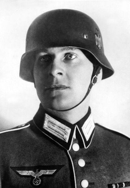 This is Reichsjugendleiter Baldur von Schirach during his service in the Wehrmacht! Later he became Gauleiter from Wien, Österreich(Austria)