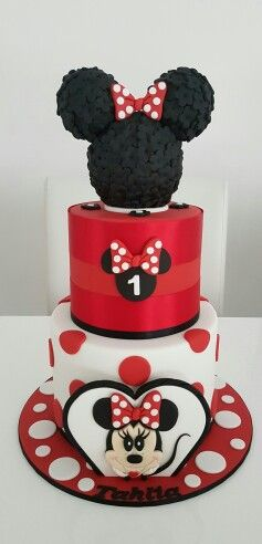 Red minnie mouse cake by Dina's cupcakes and cakes