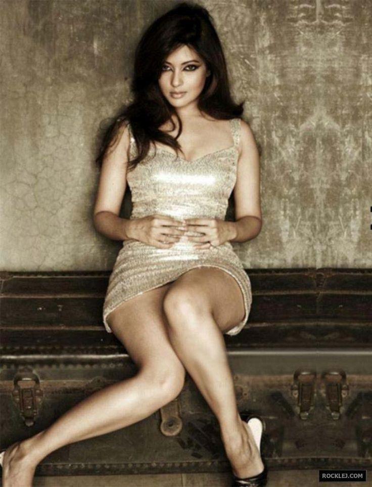 Riya Sen Latest Unseen Sizzling Hot Photo Shoot