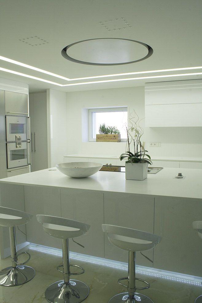Oltre 25 fantastiche idee su illuminazione a soffitto su - Illuminazione led cucina ...