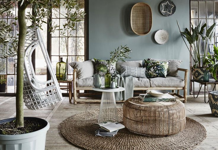Ze zijn nauwelijks meer weg te denken uit ons interieur: natuurlijke materialen. Wij inspireren je met de mooiste woonkamers met natuurlijke look!