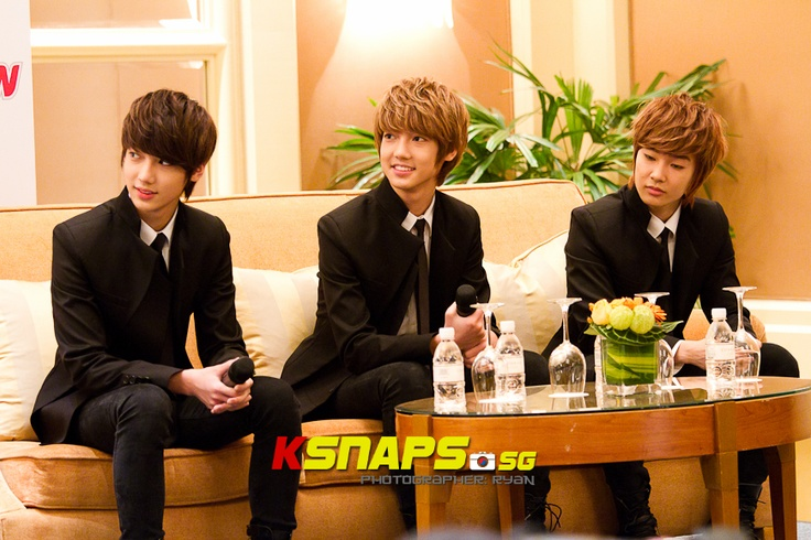 SISTAR & Boyfriend 1st Singapore Fan Meeting Press Conference